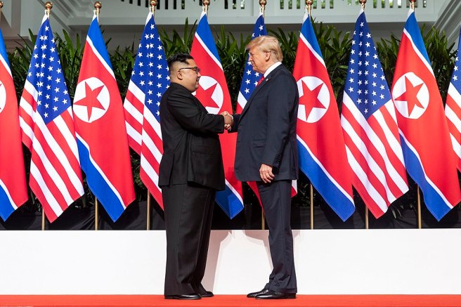 1024px-Kim_and_Trump_shaking_hands_at_the_red_carpet_during_the_DPRK–USA_Singapore_Summit